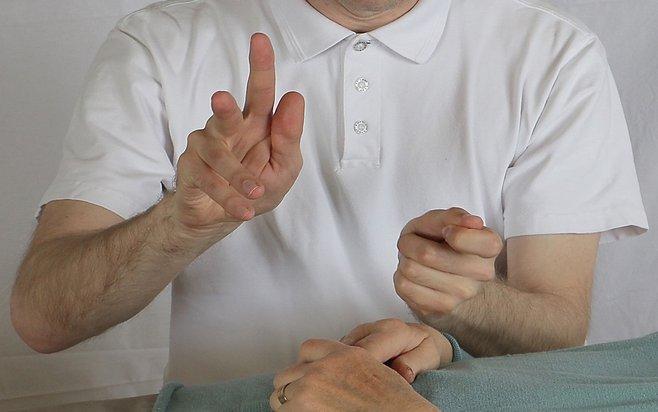 Energihealing på sakralchakra vid ont i magen, magkatarr och IBS.